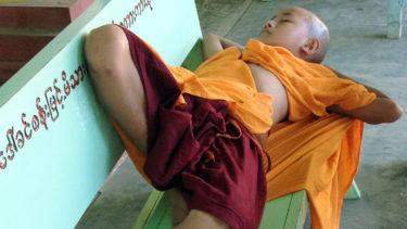 戒により受け継がれる伝統:ミャンマー仏教はどのように現在まで続いたか(西澤卓美)